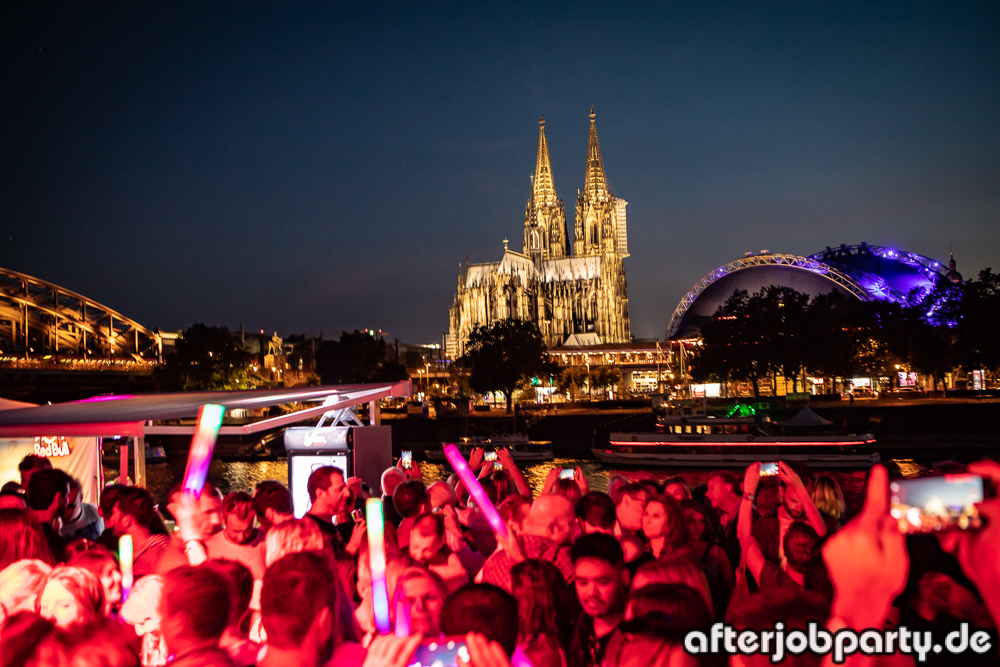 Fotogalerie: AfterJob Sommerparty auf dem Rhein vom 05.07.18