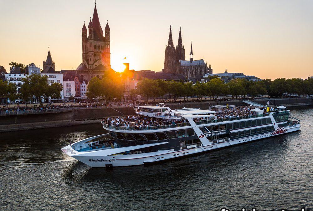 Die Fotos der AfterJob Geburtstagsparty auf dem Rhein (02.08.18)