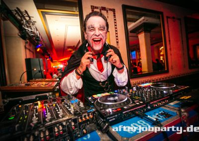 2019-10-31-Halloween-AfterJobParty-offenblende-NK-102