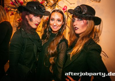 2019-10-31-Halloween-AfterJobParty-offenblende-NK-140