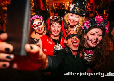 2019-10-31-Halloween-AfterJobParty-offenblende-NK-34