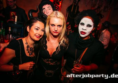 2019-10-31-Halloween-AfterJobParty-offenblende-NK-46