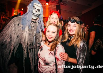 2019-10-31-Halloween-AfterJobParty-offenblende-NK-71