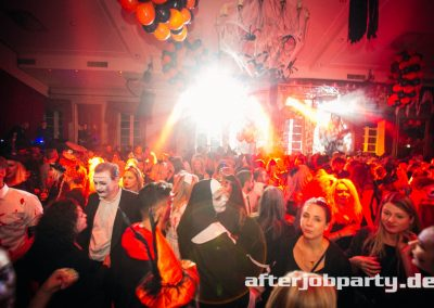 2019-10-31-Halloween-AfterJobParty-offenblende-NK-74
