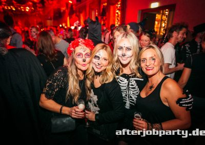 2019-10-31-Halloween-AfterJobParty-offenblende-NK-75