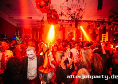 2019-10-31-Halloween-AfterJobParty-offenblende-NK-77