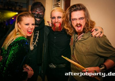 2019-10-31-Halloween-AfterJobParty-offenblende-NK-84
