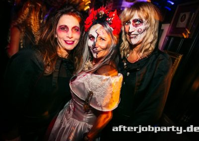 2019-10-31-Halloween-AfterJobParty-offenblende-NK-86