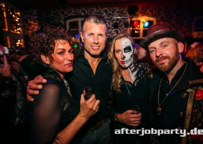 2019-10-31-Halloween-AfterJobParty-offenblende-NK-94