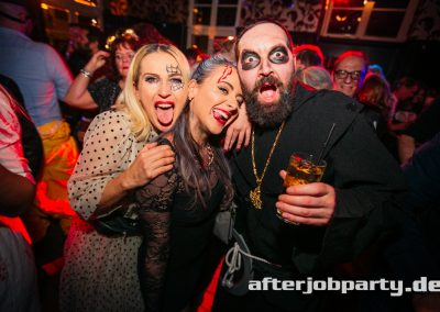 2019-10-31-Halloween-AfterJobParty-offenblende-NK-95