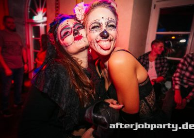 2019-10-31-Halloween-AfterJobParty-offenblende-NK-96